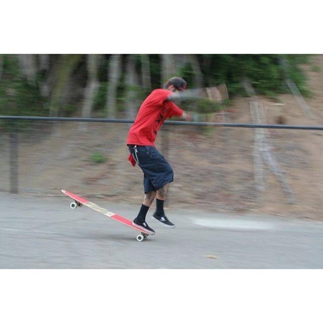 Meketa doing his thing! #skogging  #skatelife #longboard #longboards #longboarding #nosewheelie #onefoot #skog #skogfather #cali #fit #summer #fun #funboxdist #getbuck #getfit #sk8 #instapic #insane #2wheels @meggydoodle