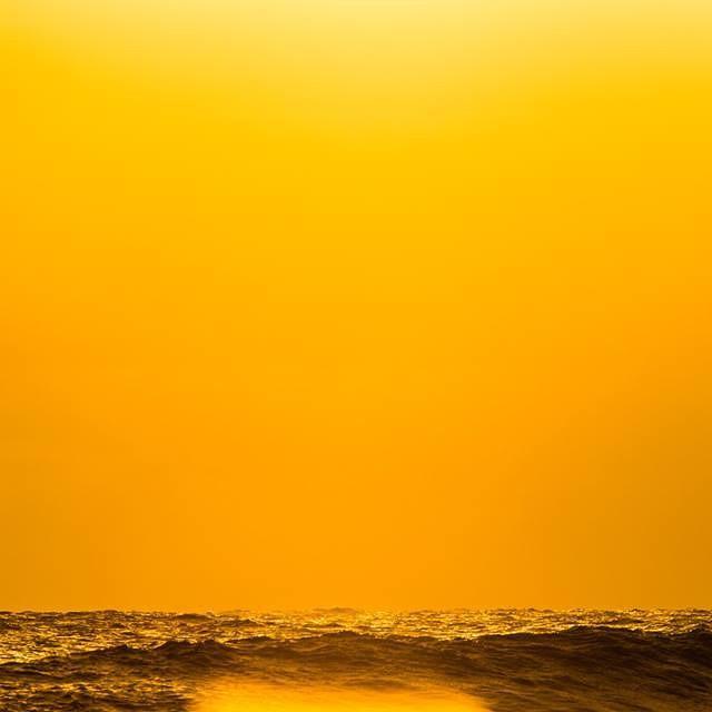 Orange is the new black.  #soul #surf #surfing #waves #justpassingthrough #reefargentina