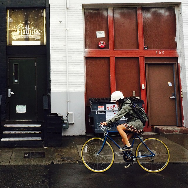 Bike in style, whatever the weather. @thesmallviking stays warm, dry and stylie wearing her Gloss White Freeride #portland #oregon #xshelmets #cycling #skatebikeboardski