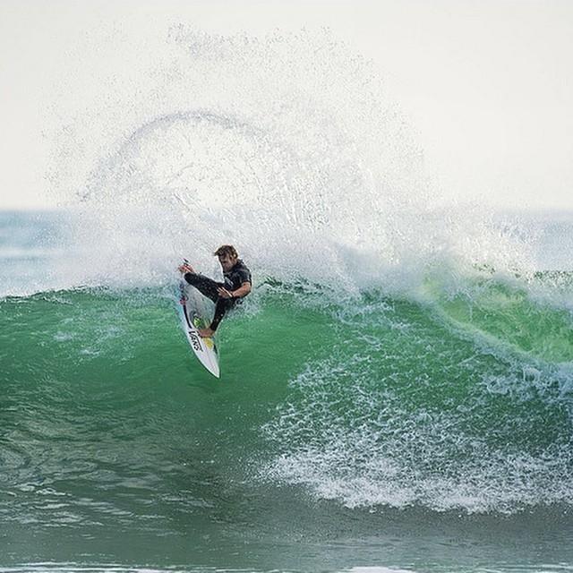 @patrickgud en acción !! #surf #vanssurf