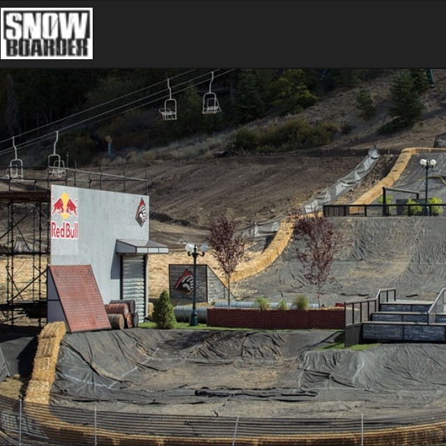 Be sure to check out @snowboardermag webcast of Hot Dawgz and Hand Rails tomorrow at 3pm!  Team riders Chad Tarbell (@dopergoatroper) @ryan_tarbell and @leonard_mazzotti with be slaying the course with untouchable style!! #hdhr #academykidsrule...