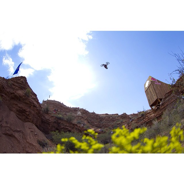 How's the view up there, @SzymonGodziek? #Rampage