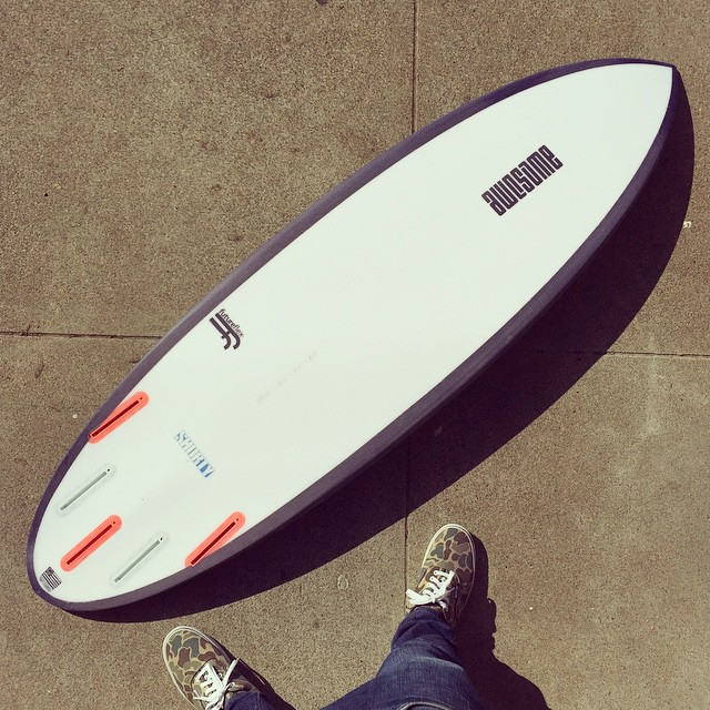 Shorty 5'8 x 19 1/2 x 2 3/8 (27.8L) just started to offer @futureflex , really light and robust. thanks to @haydenshapes for coming up with this technology ! please email for more info #awesomesurfboards #awesome #surfboards #sleds #madeincalifornia