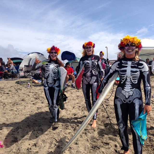 Suns out at #OceanBeach right now for @returningwave @oceanbeachsurf FIRST all women's surf contest at OB. Good waves and a Great turnout. There are girls/women of all ages out there surfing in teams.  Check out @sunset_shapers Day of the Dead Team's...