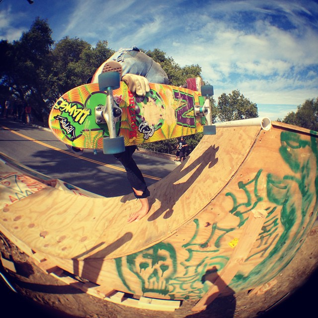 Team rider Michael Carson--@mcarsonlikescats hand plants on the quarter pipe at the Menlo Park Skate Jam!  #michaelcarson #bonzing #dakineskateboard #beartrucks @beartrucks