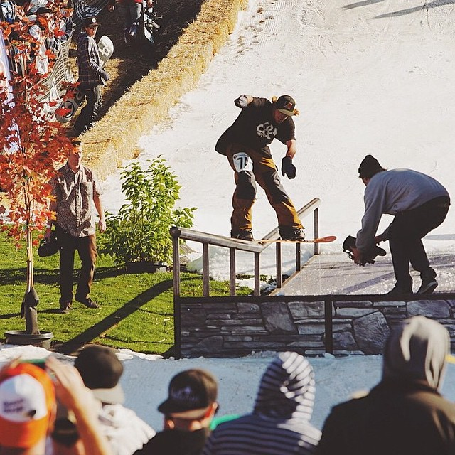 #regram from @devocam Ryan Tarbell at @bear_mountain Hot Dawgz & Hand Railz. The official snowboarding season kick off party is a wrap so now bring on the snow! @ryan_tarbell #fluxbindings