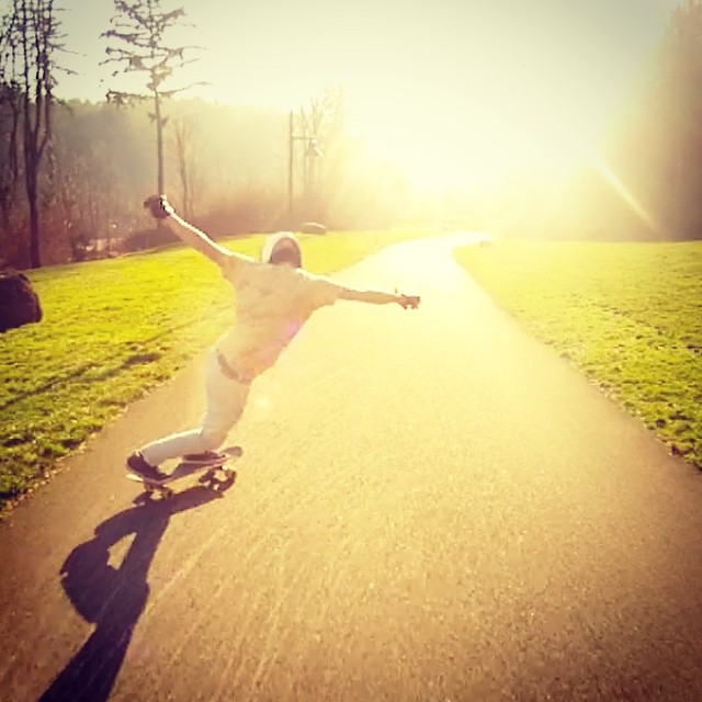 @mikethorr has been with us for a long time, holding it down in the Pacific Northwest. He recently moved to SoCal and he's ready to shred. Here's a shot of him sliding into the light back up in the pnw.  #longboard #longboarding #dblongboards...