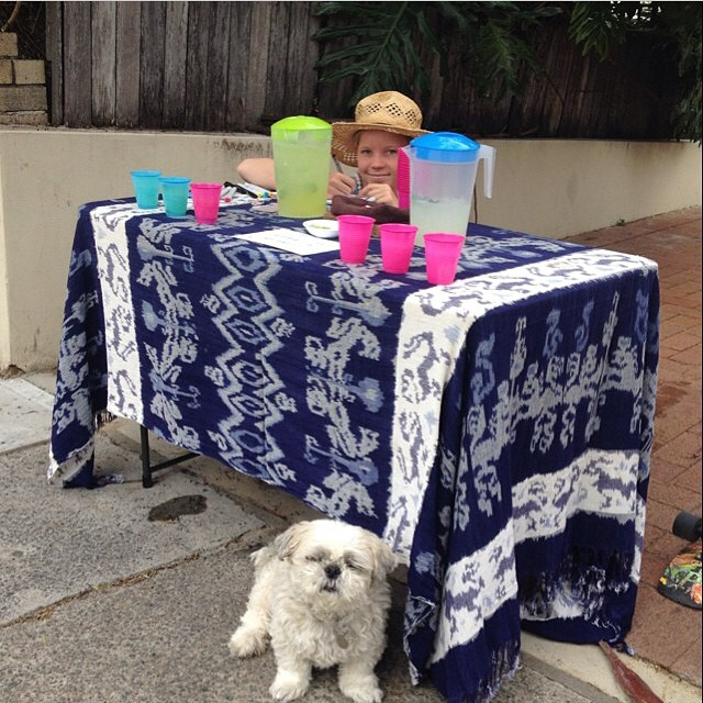 Possibly our favorite non-skating post of 2014. Aussie Poppy Starr Olsen (@poppystarr) multi-tasking by drawing necklace art while selling lemonade to raise funds to get herself to #EXPOSURE2014! Check out her art page at @poppystarr_art.