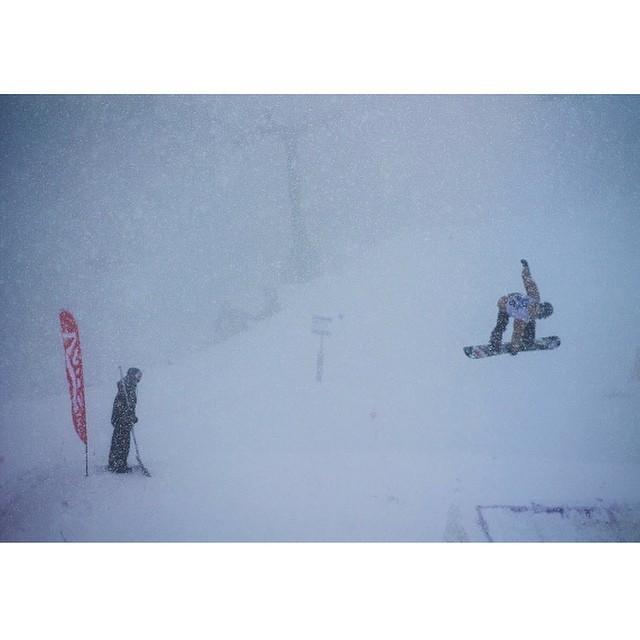 Felicitaciones a los organizadores y competidores del Vans Abierto Argentino de Snowboard que, pese al mal clima, pusieron todo el esfuerzo posible para llevar a cabo esta fiesta del snowboard.