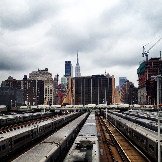 Old #newyorkcity staple #empirestatebuilding #nyskyline #nyc #manhattan #oneinoneout #railyard #highline