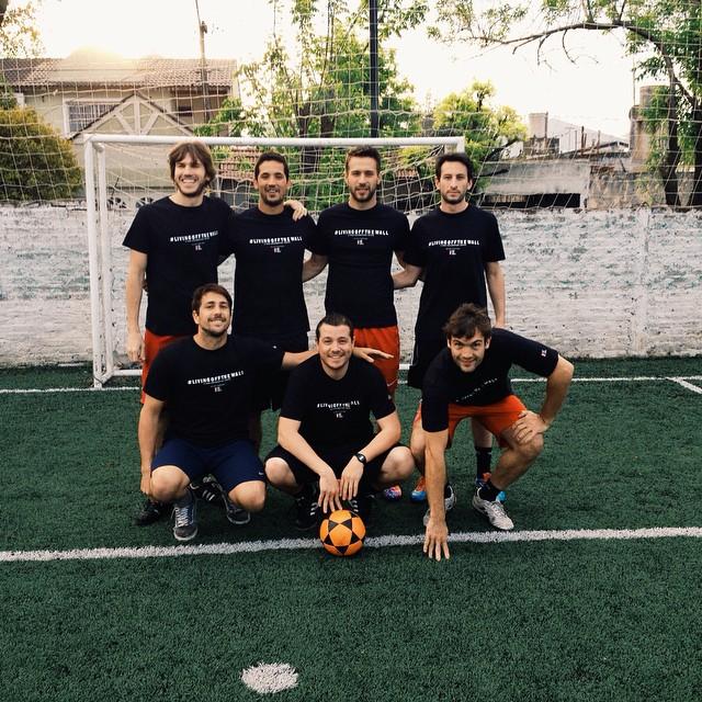También hay equipo de fútbol.