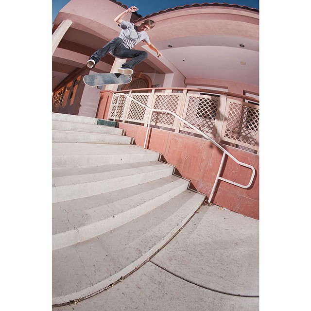 @thefellers getting down on this #nollie #fsflip