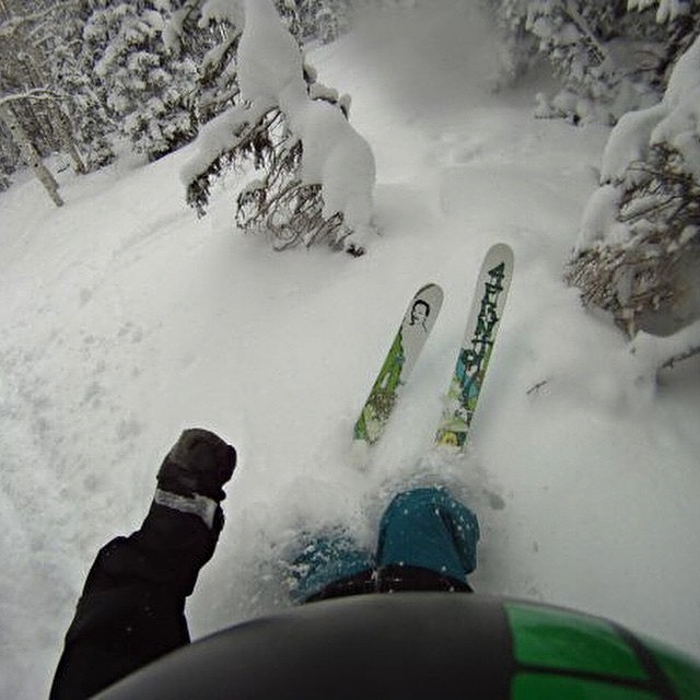 @jhackbeez is from the OG #4frntfam Are you in the club? Tag your shred shots with #4frntfam #riderowned #shapingskiing