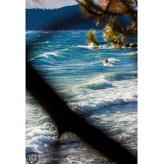 Some tasty Tahoe waves brought to you by @brian.walker //