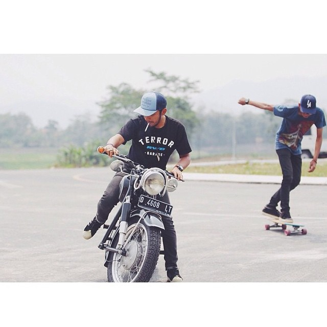 Some Insta love from Indonesia. @firmanni throwing down. #skateboard #skatetheedges #salemtownboardco