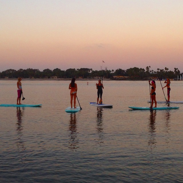 Thanks to all the beautiful yoginis who came to the @waveofwellness SUP Yoga/ Body Dialogue session last night in San Diego! So much fun to meet you! ✨