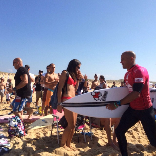 """KELLY SLATER QUIKSILVER PRO"" — Awesome! · Head++ (10-15ft) Thanks for sharing @BixenteArteberasateguy — at Graviere #goFlow #Quiksilver #QuiksilverProFrance #KellySlater #France #quikpro2014"