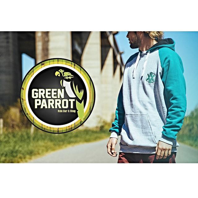 Ya podes encontrar nuestros buzos en @thegreenparrotco (Guemes 3140, Palermo) #hoodies #store