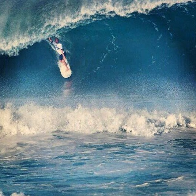 Terrible olón! Go Lele Go. @leleusuna ‪#‎soul‬ ‪#‎surf‬ ‪#‎surfing‬ ‪#‎justpassingthrough‬ ‪#‎reefargentina‬