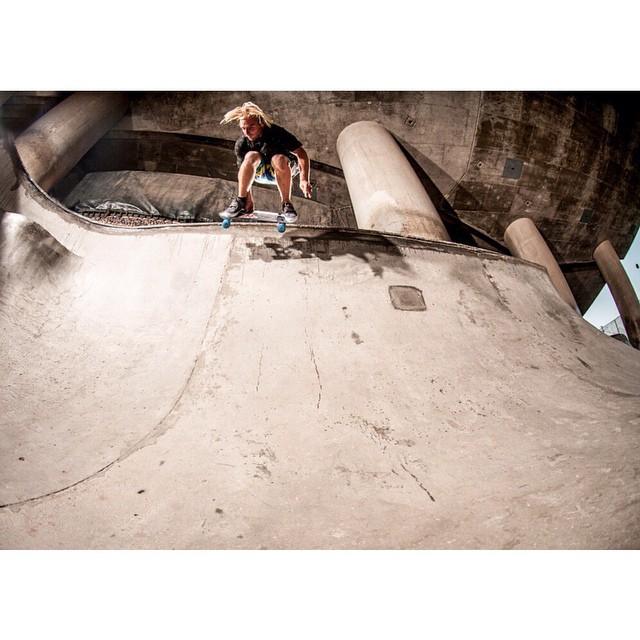 #earlygrab by @robertfreschaufjr at #washingtonstreet #jellyskateboards #kingslayerjelly #sandiego #skateboards