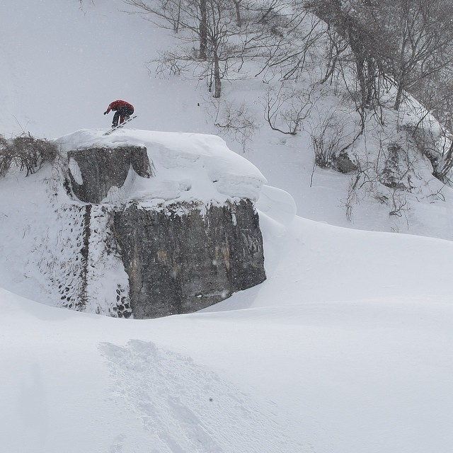 Flux rider, Blake Axelson in Otarimura Japan on a very clean powder day. The sexiest snow on the planet. Get deep into this shot. ❄️
