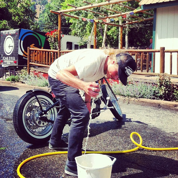 Yes, we have a free do it yourself bike wash here at #phgb Landing Pad.... Sponsored athlete @bankzg takes this to a new level !! We dig it!