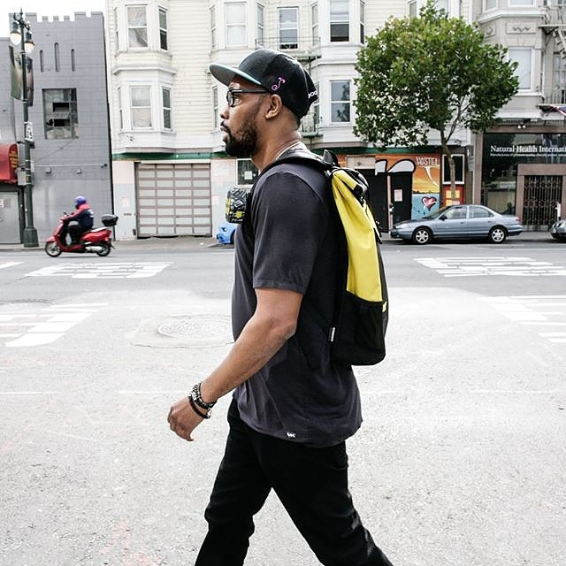 #RZA rocking a custom #Wutang inspired @timbuk2 prospect backpack while roaming the streets of #SF #abettertomorrow #killabeez #NOV15 #grassroots #boombotix