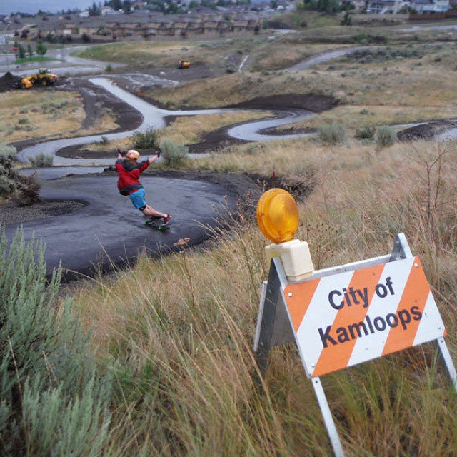 Team rider dh_clbc Dan Holdsworth doing a #toeside standup in the first Longboard park in the world! Photo by @coastlongboarding #restlessboards