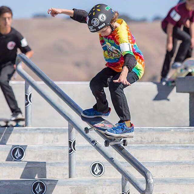 Stoked @will2liv is coming back to #SoCal for the Volcom Indoor Championships this week! Good luck buddy! #8yearsold #bult #bulthelmets #BULTteam #volcom  #street #skateboard #stackinclips #handrail PC: Todd Fuller
