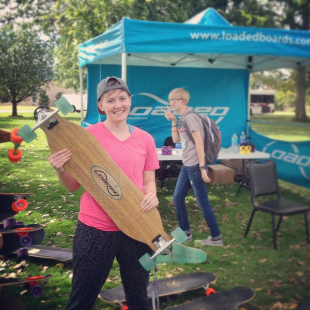 @intothenow dropped by our tent at #CSUFortCollins with her OG oak #LoadedVanguard! #LoadedCollegeTour #loadedboards