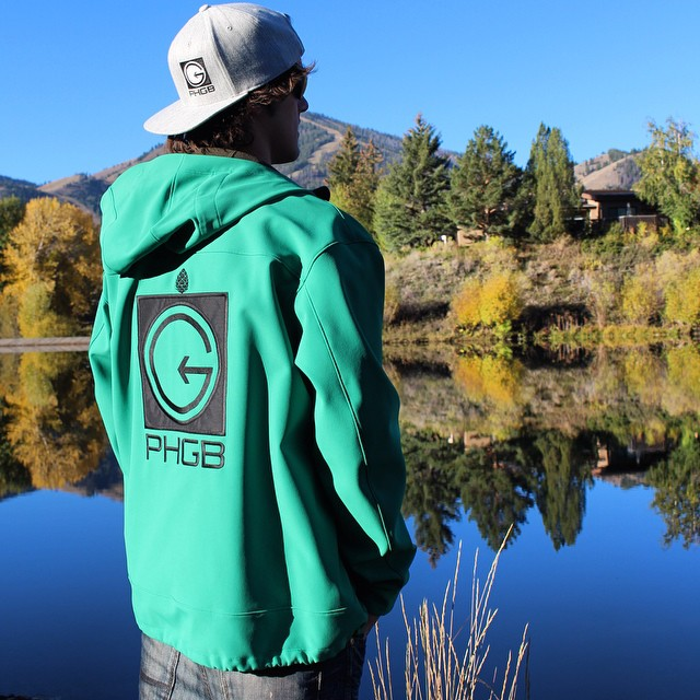 @visitsunvalley if you want your Tuesday to look something like this!! @tetonbrown reppin' the #phgb @stiomountain jacket!