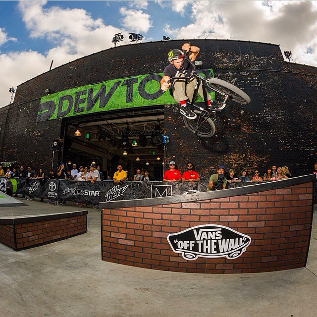 Rad shot of @dakroche at the last #DewTour stop in #Brooklyn at the #houseofvans! #bulthelmets #bult #BULTteam #helmet #bmx #street #vans #cult #danscomp #monster #stance