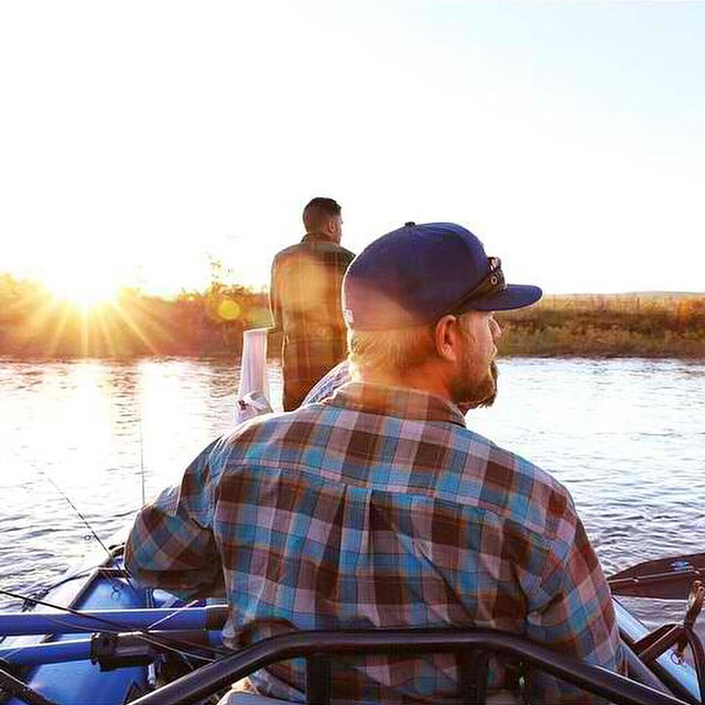 @cruiserlifestyle captures that perfect morning light while dropping some hooks
