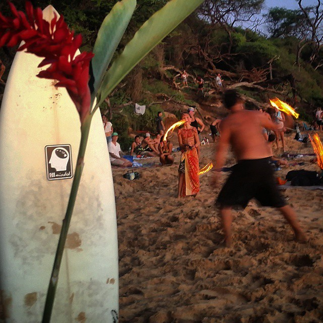 Post Little Beach surf sesh drum circle and fire dancing.  The grom in the background was killin it. #himinded #maui #surfcompany #808 #ocean #beautiful #surfapparel #wave #hawaii #firedancing #littlebeach #drumcircle