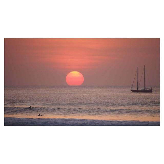 Sunset Sundaze - the paddle back home  #sunsetsundaze #thisisbali #soleswithsoul