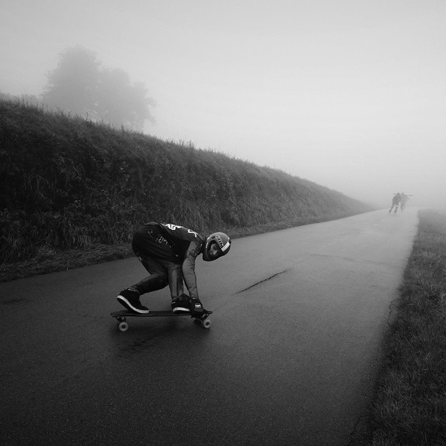 Team rider @Yanismarkarian doing a huge toeside predrift in the rain this weekend! #restlessboards #restlessnkd