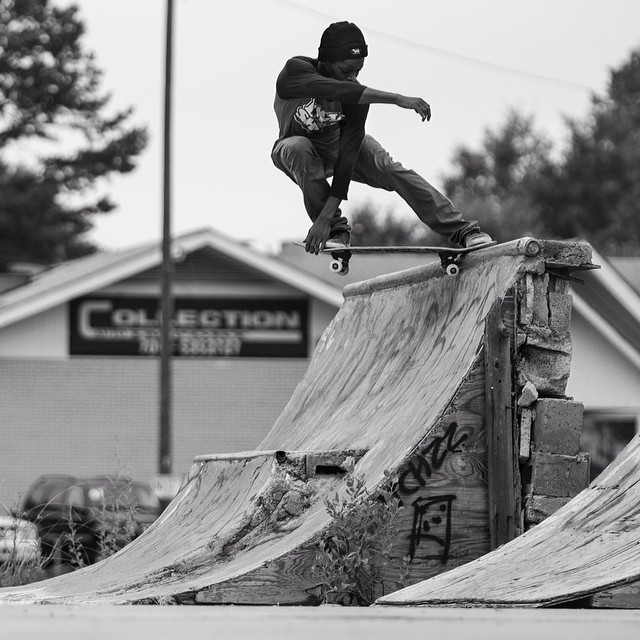 @lord_leek rips the #Charlotte area and was the #issue32 #steezmagazine featured skater for #24/seven section. Shot by @shootbt #foon #northcarolina @blacksheepskateshop #diy
