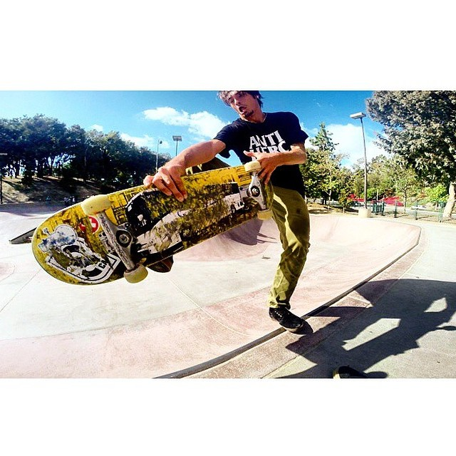 Team rider from #California @fif_one❄️#frostyheadwear #skateboarding