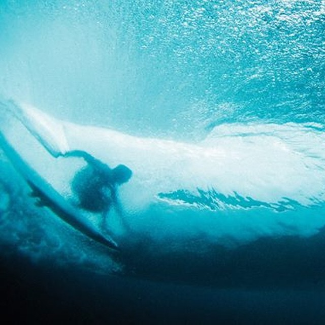 Bajo el mar.- ‪#‎soul‬ ‪#‎surf‬ ‪#‎surfing‬ ‪#‎waves‬ ‪#‎justpassingthrough‬ ‪#‎reefargentina‬
