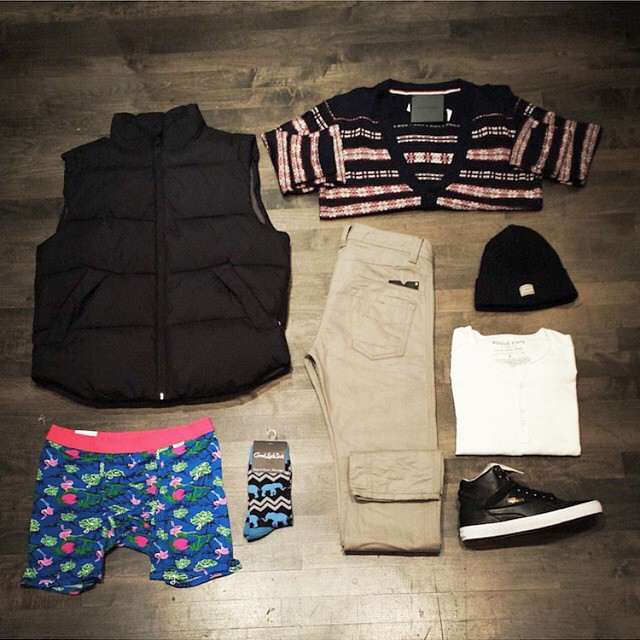 Bringing that Hawaiian print into some nice fall outfits. Staff picks from @heroes_clothing