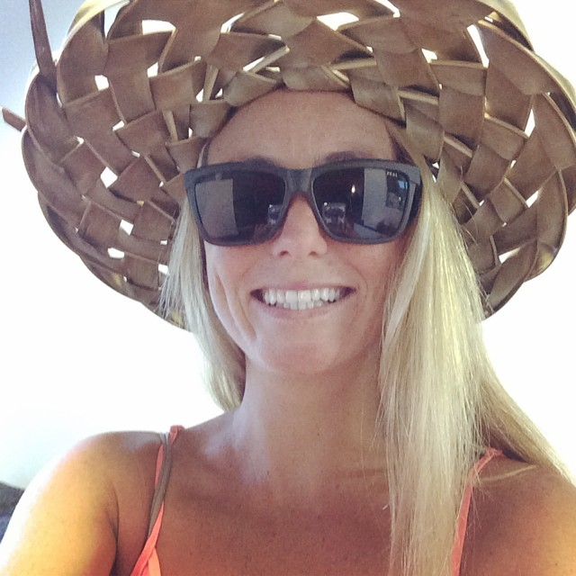 Happy aloha Friday! My hat is turning brown:( Anyone know where any coconut trees are in CA? #letmetakeacoconutselfie