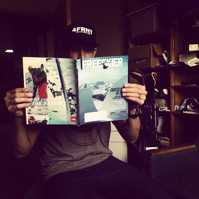 @matt_sterbenz perusing the latest issue of @freeskiermagazine  with @mrdavidwise on the cover. #riderowned #shapingskiing