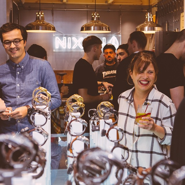 Nixon celebrated the opening of Nixon Carnaby, London, by gathering close friends around a few drinks, hot dogs and DJs.  Special thanks to @johnniewalker @TheDailyStreet @BigAppleHotDogs for the support.  Details and photos now live on...