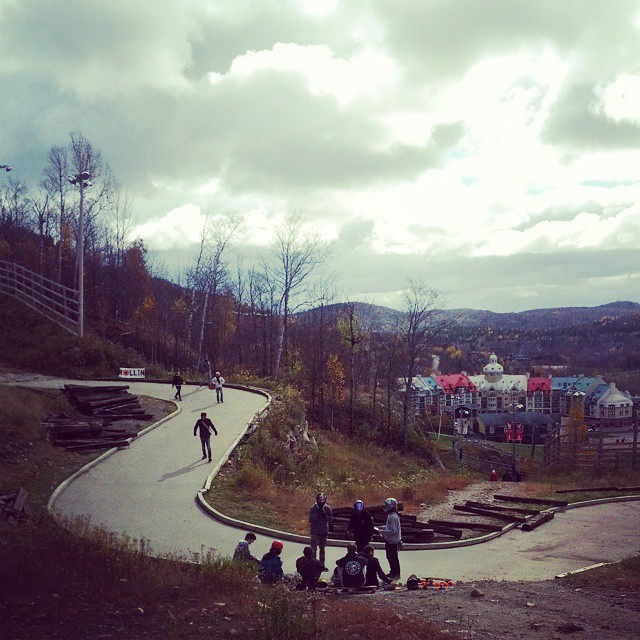 Luge track race is going on! Only 15 riders showed up to this SICK track! Team rider @charlesouimet and @francisct are there to represent #restlessboards