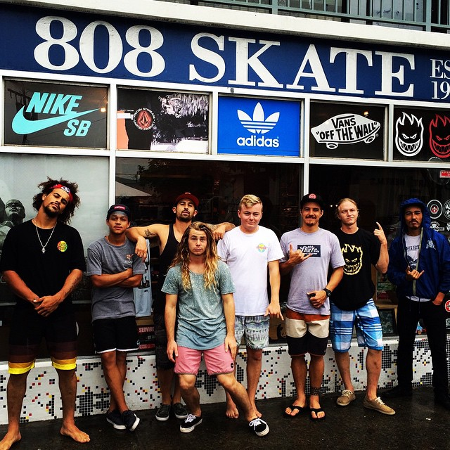 #calibertrucks in #oahu @camrev33 @liam_lbdr_ and the homies from #venice and @arborvenice @arborskateboards thank you @radicalsmith @808skate