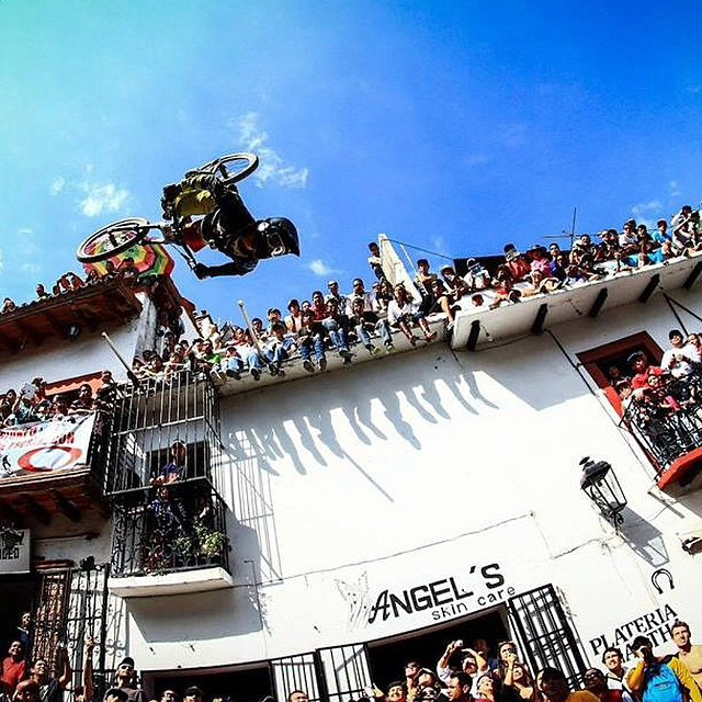 Every year, Taxco, Mexico plays host to a popular urban downhill race. In anticipation of the big event next week, here's a throwback from last year of @antoinebizet throwing a huge back flip. | #Taxco #Mexico #DH #Backflip