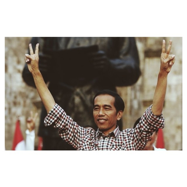 A new day in Indo as Jokowi takes the reigns of the worlds 4th most populated country #Jokowi #manofthepeople #anewday #indonesia #thisisindo ✌✌