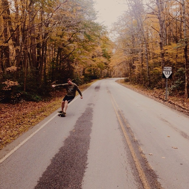 Some last minute riding on the way to @wlmanderson's wedding. #handmade #skateboards #skatetheedges #salemtownboardco