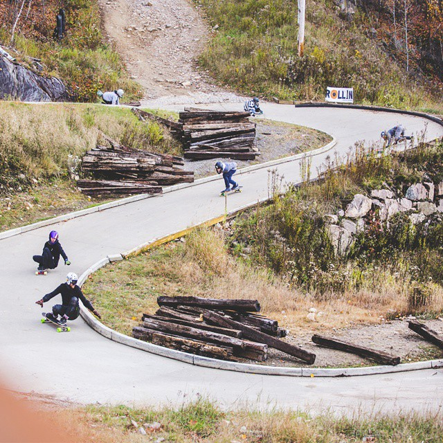 Insane picture by @wimphoto ! Riders skating the luge track in Quebec. This was the Chinese downhill race!