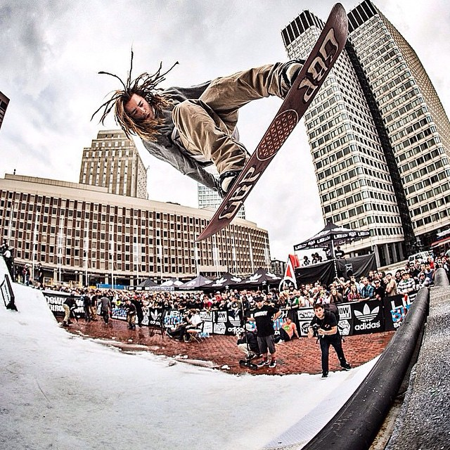 #regram @snowboardermag Tyler Lynch with that style at the Downtown Throw Down in Boston. ❄️